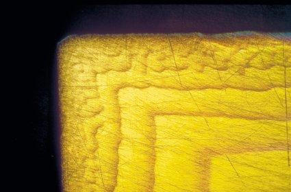 柔らかい延性鋼でスミヤリングが発生する。