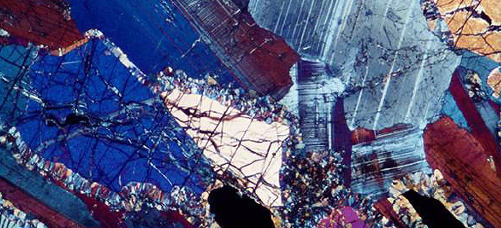 鉱物と薄片