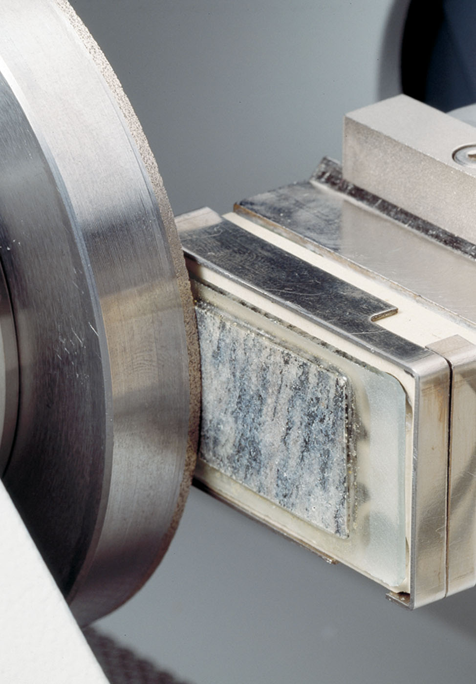 Grinding of thin sections