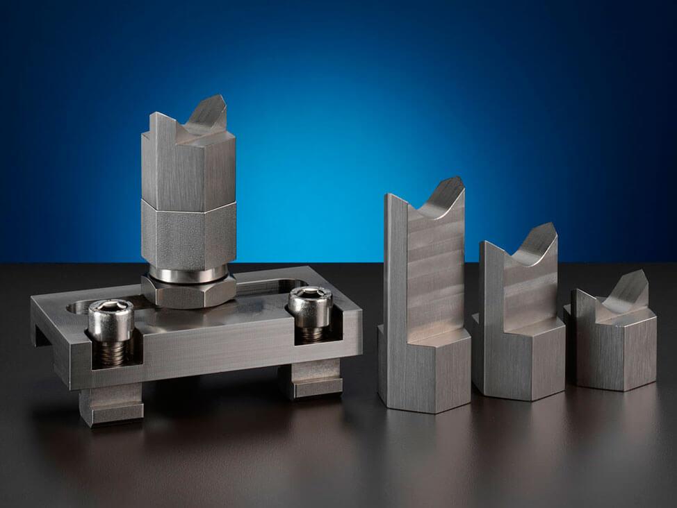 Cutting accessories- adjustable support blocks