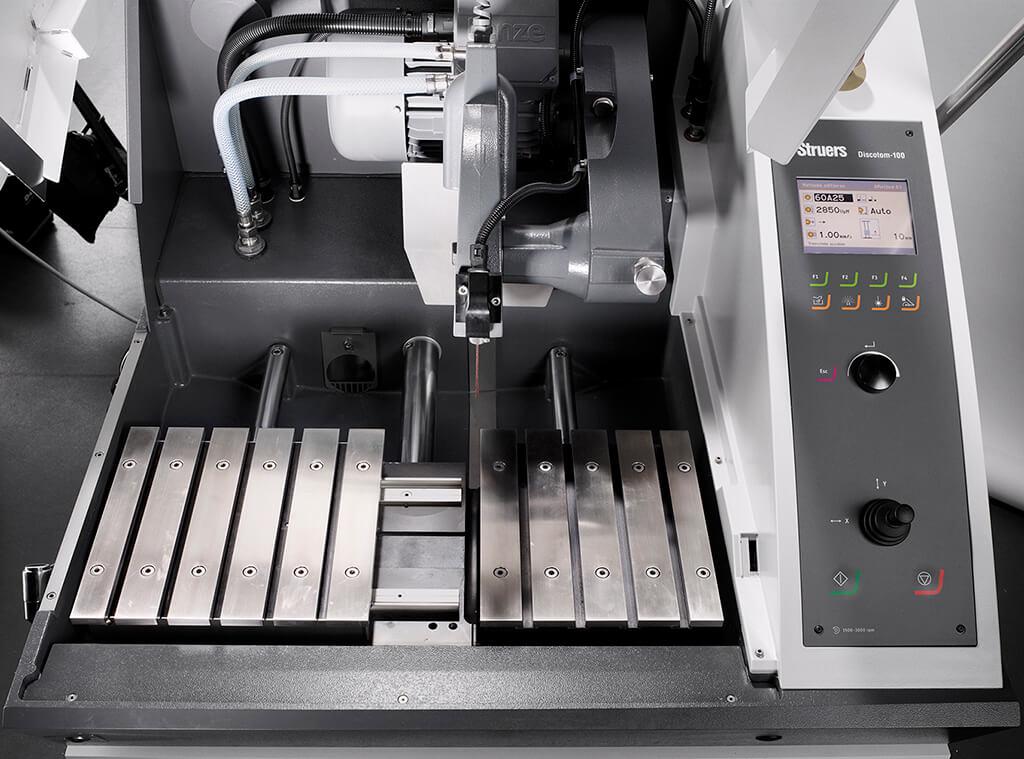 Discotom100 con mesa X automática