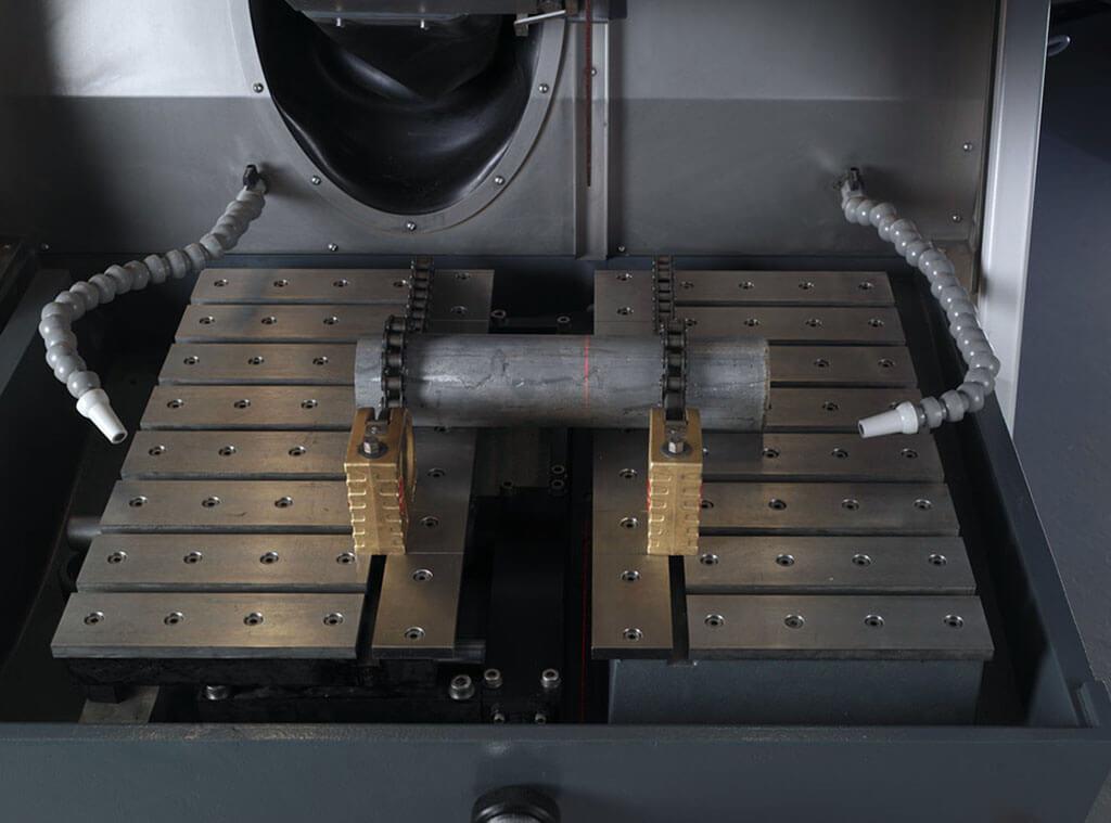 Exotom 拥有两个切割台