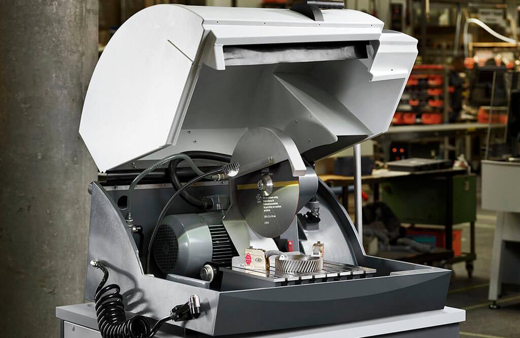 Metallographic cut-off machines and samplers | Struers com