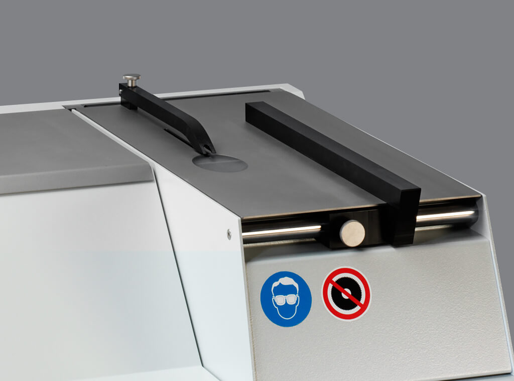 Secotom 1 Large cutting table