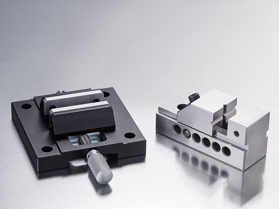 Hardness testing vices and jaws