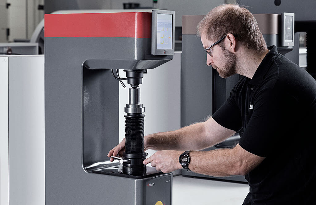 Duramin-150 robust Rockwell hardness tester | Struers com