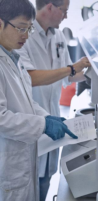 Materialographic preparation in lab